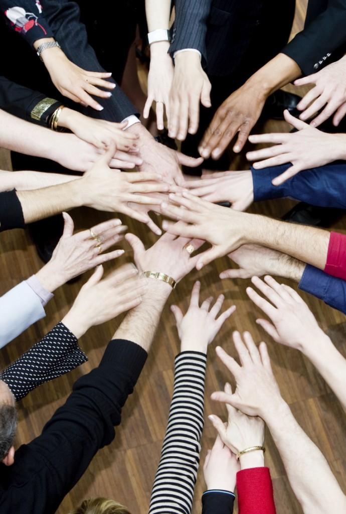 teamwork1-690x1024
